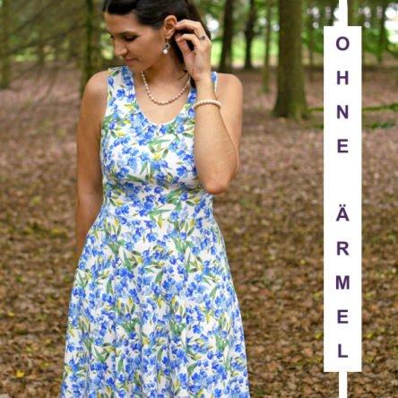 Wrinkle-Neck-Dress OHNE Ärmel (mit Unterteilen) – Größe 32-50